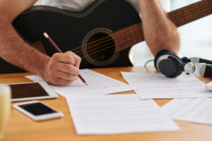 cara membuat lirik lagu