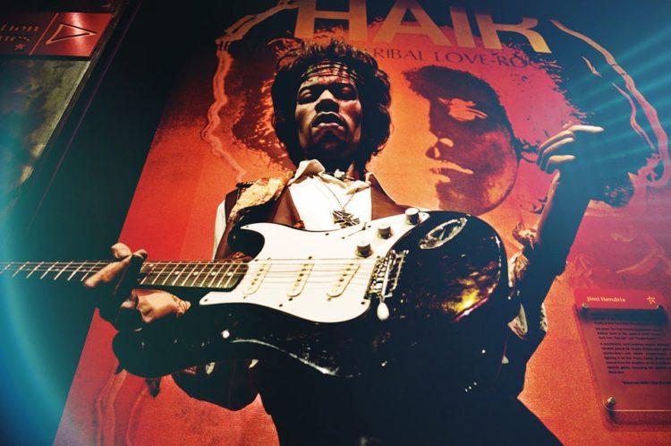 gitaris terbaik dunia - jimi hendrix
