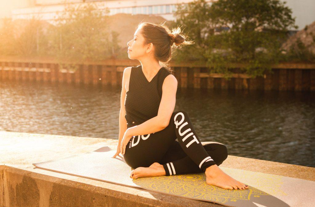 manfaat yoga untuk kesehatan jiwa raga