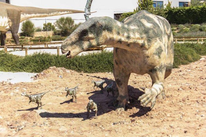 nama-nama dinosaurus