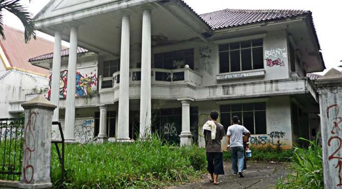 rumah pondok indah - Tempat angker di Indonesia