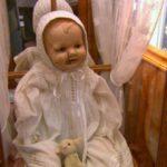 Boneka Mandy yang Memiliki Kekuatan Supranatural