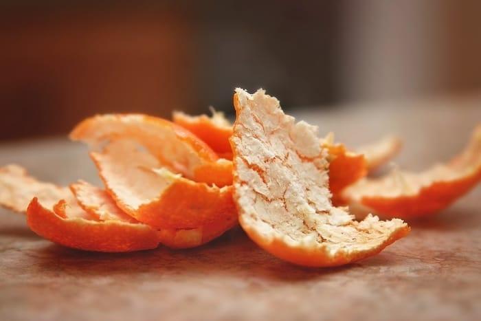 Cara Membersihkan Wajah Secara Alami dengan kulit jeruk