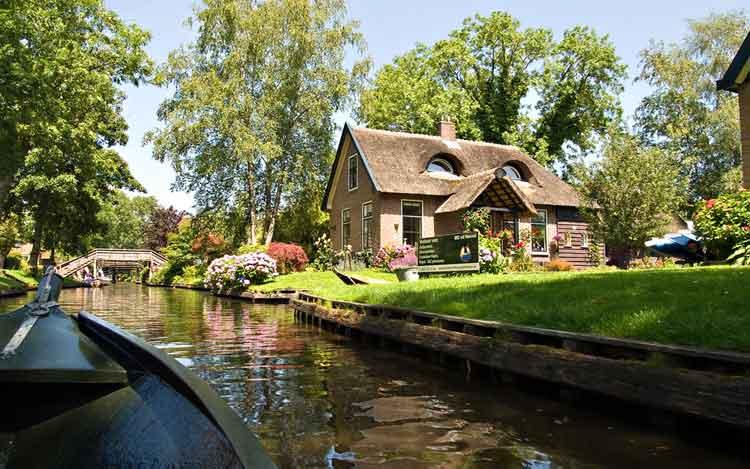 Giethoorn Desa unik di dunia