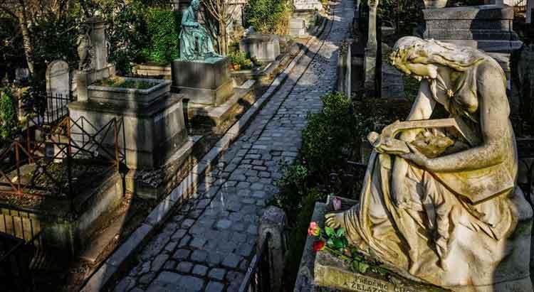 Père Lachaise kuburan paling angker di dunia