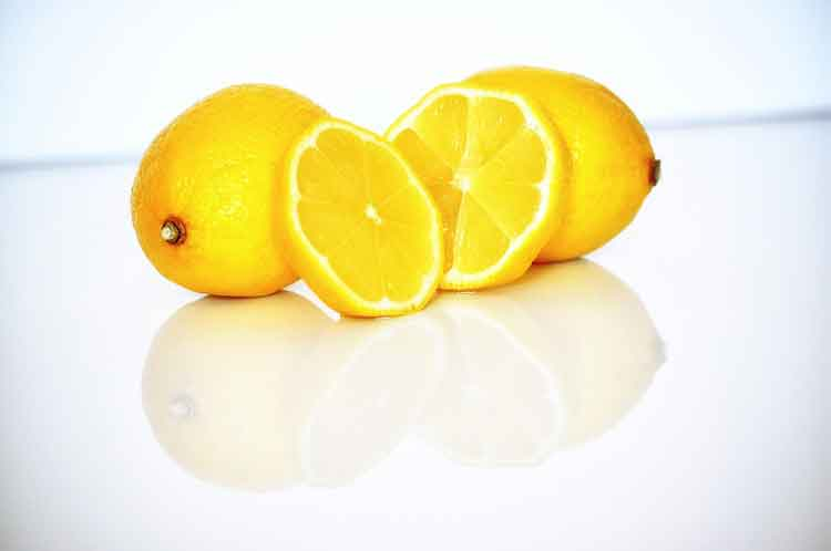 cara menghilangkan bekas luka secara alami dengan lemon