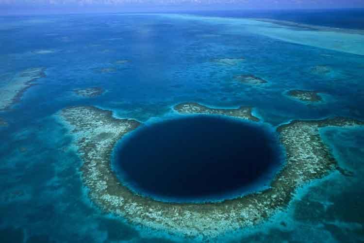 the blue hole tempat aneh dan misterius