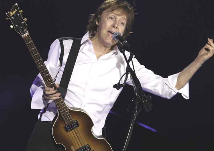 Paul McCartney pemain bass terbaik dunia