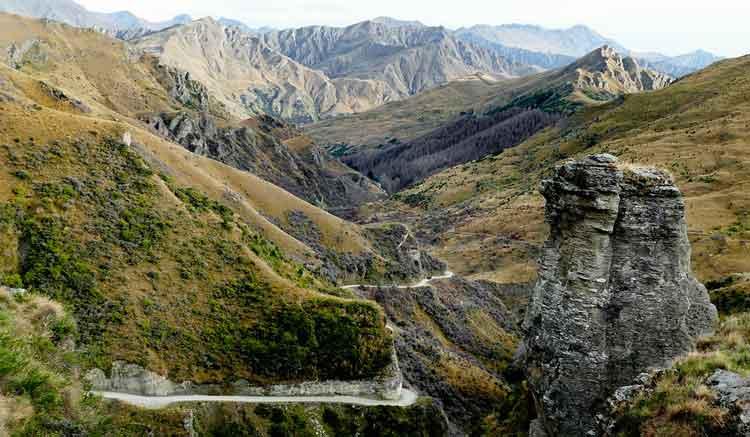 Skippers Canyon Road - Jalan Paling Berbahaya di Dunia