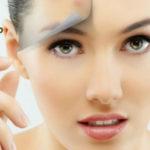 7 Cara Merawat Wajah Berminyak dan Berjerawat