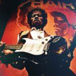 Jimi Hendrix: Sang Dewa Gitar (Biografi Singkat)